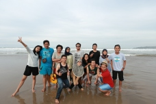 Groupie! Location: Pantai Pasir Putih, Sawarna